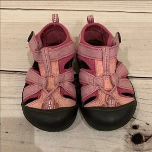 Toddler girls keen Sandals Size 7